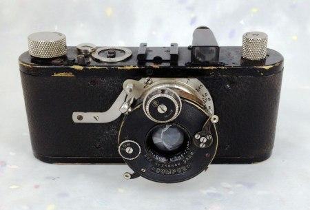 Leica-B
